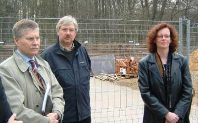 Bürgermeister Rößing, Bauamtsleiter Passier und Architektin Grote