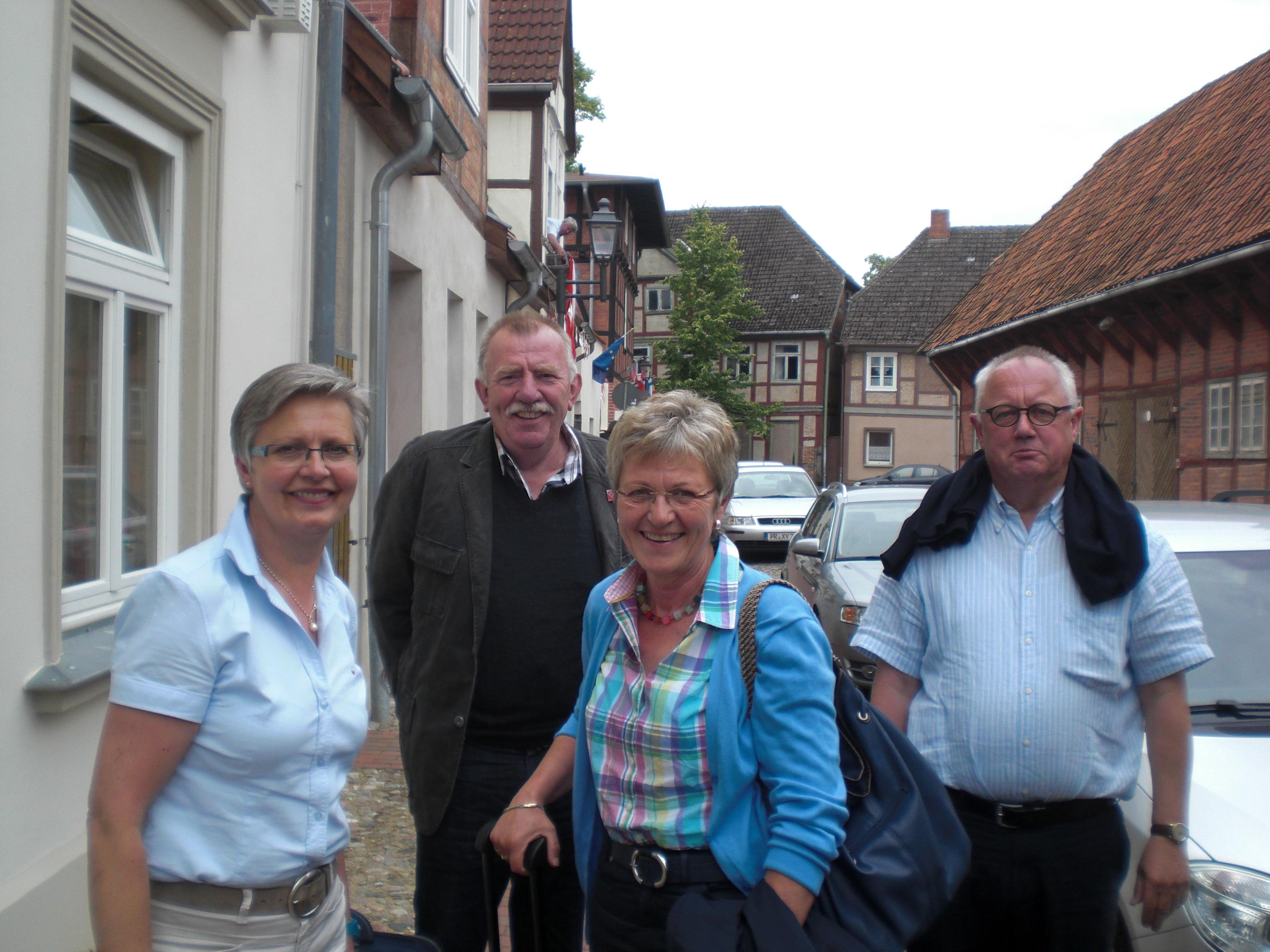 Delegation der Raesfelder CDU in Dömitz vl: Maria Brömmel, Werner Brand, stv. BM Inge Lütten und Jochen Welsing